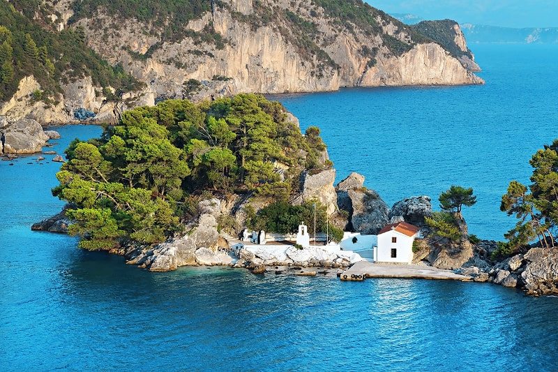 ionian-sea-cabin-charter-yacht-cruising-holidays-preveza-01